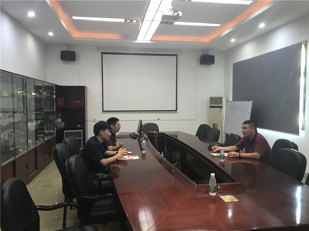 Talks-inside-the-meeting-room